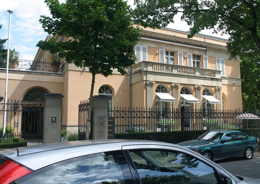 Referenz Maler Matthe Berlin - Malerarbeiten Innen - Denkmalgeschützte Villa hochwertige Innenarbeiten Spachteltechnik-Parkett-Gipsstuck (2)