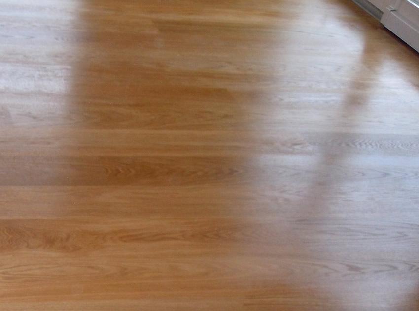 Referenz Boden verlegen 4 - Erster Anstrich Eiche typische Maserung astarm
