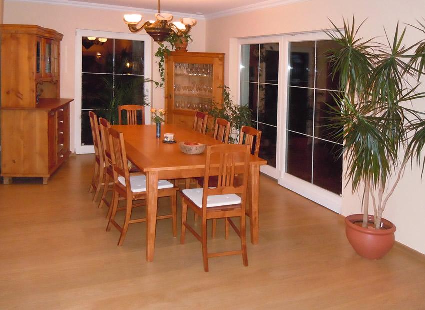 Referenz Boden verlegen 8 - Eingerichteter Wohnraum nach Parkettverlegung