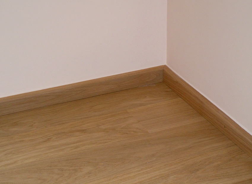 Referenz Boden verlegen 9 - Perfekte Verbindung von Parkett und Schlussleiste