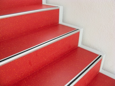 Fußboden Linoleum Verlegen ~ Linoleum cv belag linoleum im treppenstufenbereich in
