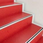 Referenz Linoleum PVC Boden verlegen 1 - Linoleum im Treppenstufenbereich in kräftigen Farben