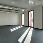 Referenz Teppichboden verlegen 1 - Verlegter Teppichboden im lichtdurchfluteten Wohnraum