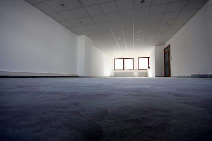 Referenz Teppichboden verlegen 2 - Verlegter Teppichboden in dunkler Farbauswahl